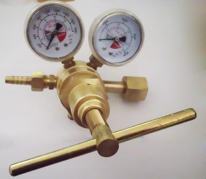 全铜气体减压器